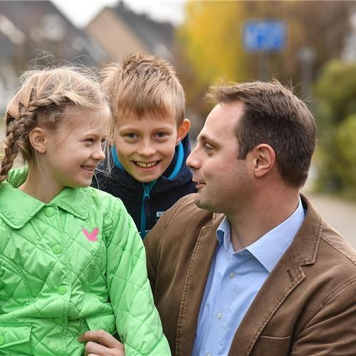 vereinbarkeit von beruf und familie f rdern caritasverband f r die di zese regensburg e v. Black Bedroom Furniture Sets. Home Design Ideas